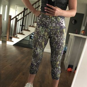 Lululemon Crop Leggings, 6